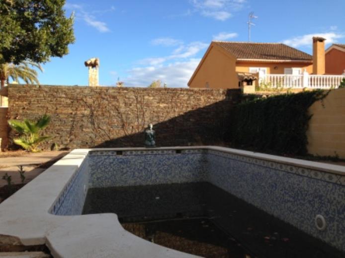 piscina jardin mercadona la eliana