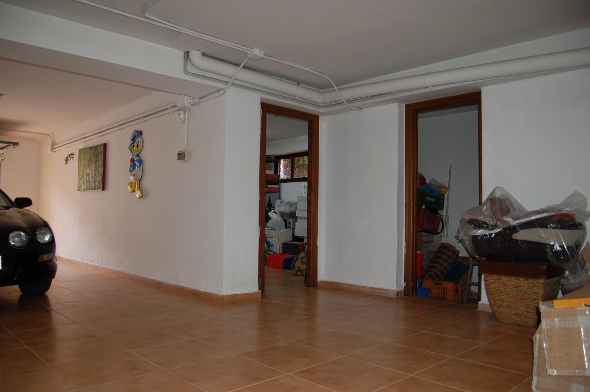 Gran sótano multifuncional en chalet La Eliana
