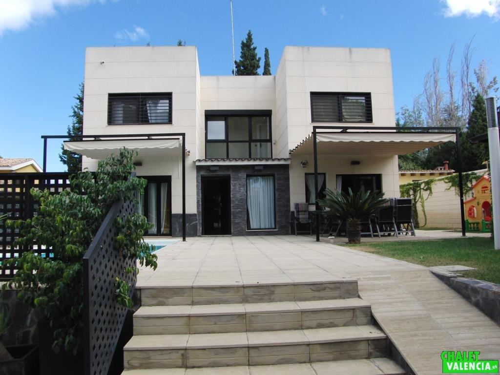 Lujo y dise o en la eliana for Las mejores fachadas de las villas