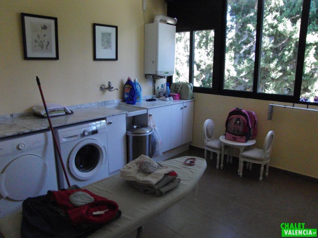 Habitación lavado, secado y plancha.