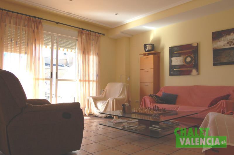 Salón urbanización Santa Mónica Ribarroja Valencia