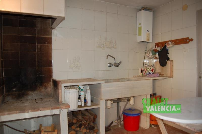 Paellero cubierto en chalet adosado La Eliana Valencia