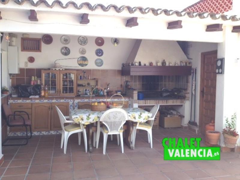Paellero cubierto pueblo La Eliana Valencia