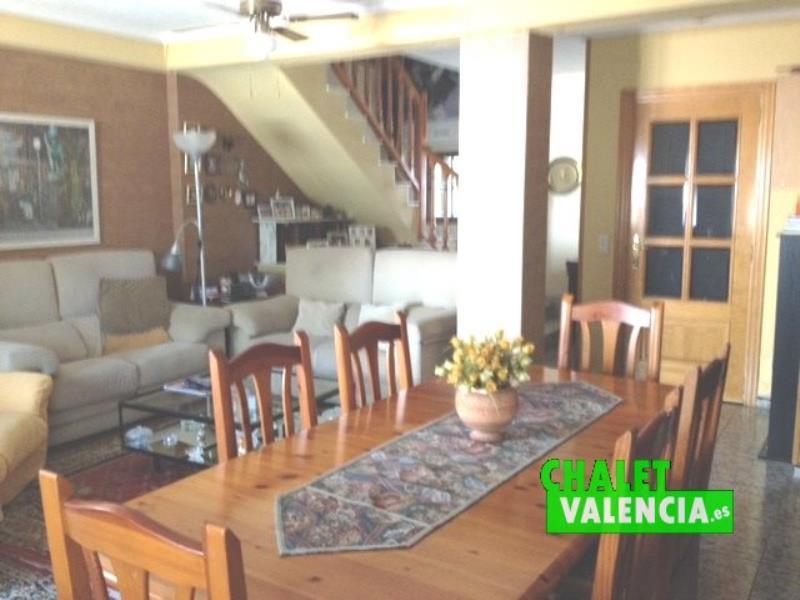 Salón chalet centro del pueblo La Eliana Valencia
