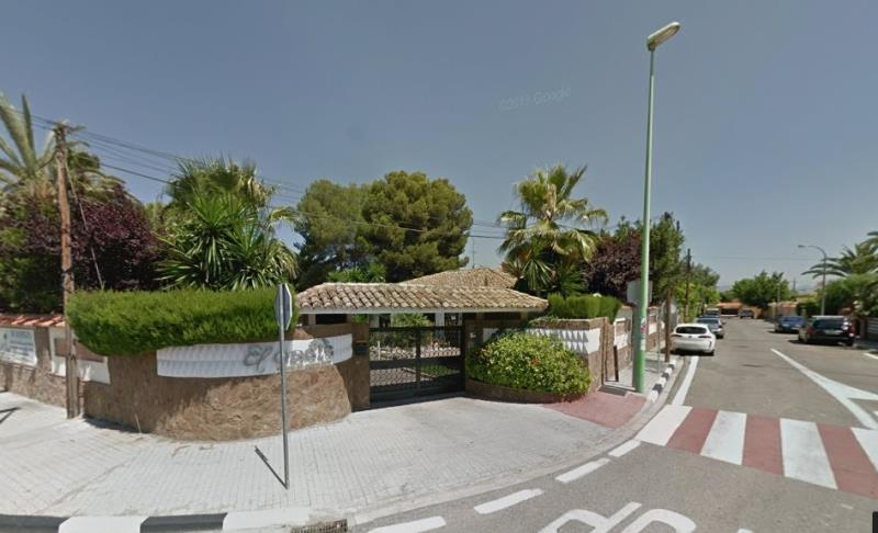 Entrada urbanización El Oasis en La Eliana Valencia