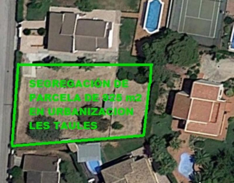 Imagen aérea de la segregación de la bonita parcela en La Eliana