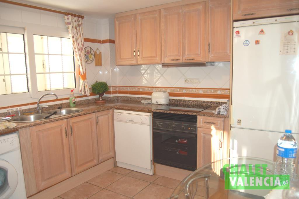 Cocina chalet en alquiler con opción a compra en La Eliana Valencia