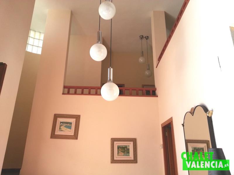 Hall entrada chalet alquiler La Eliana Valencia