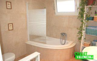 G2437_Bath-01-chaletValencia