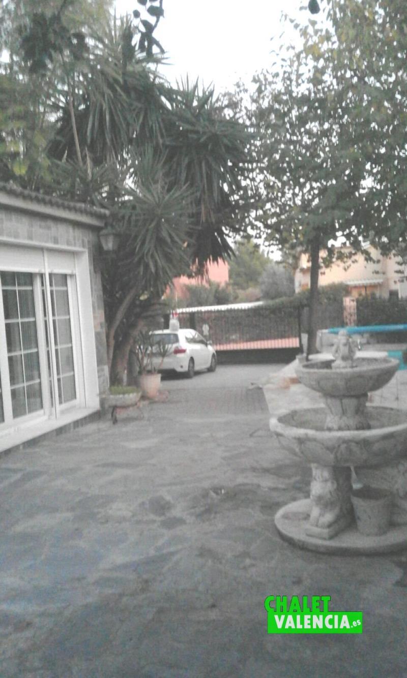 Parcela Montesano piscina entrada