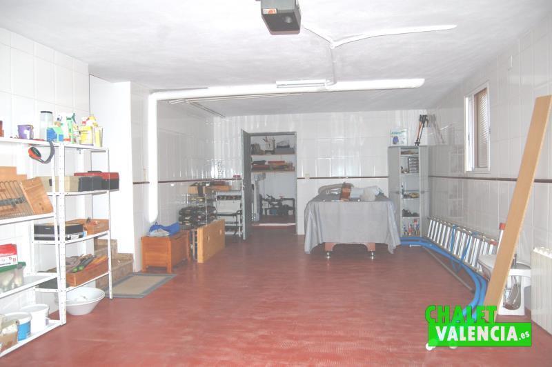 Garaje en planta baja en chalet totalmente reformado