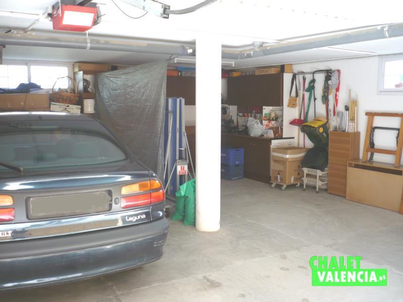 Sótano con garaje y zona de estar
