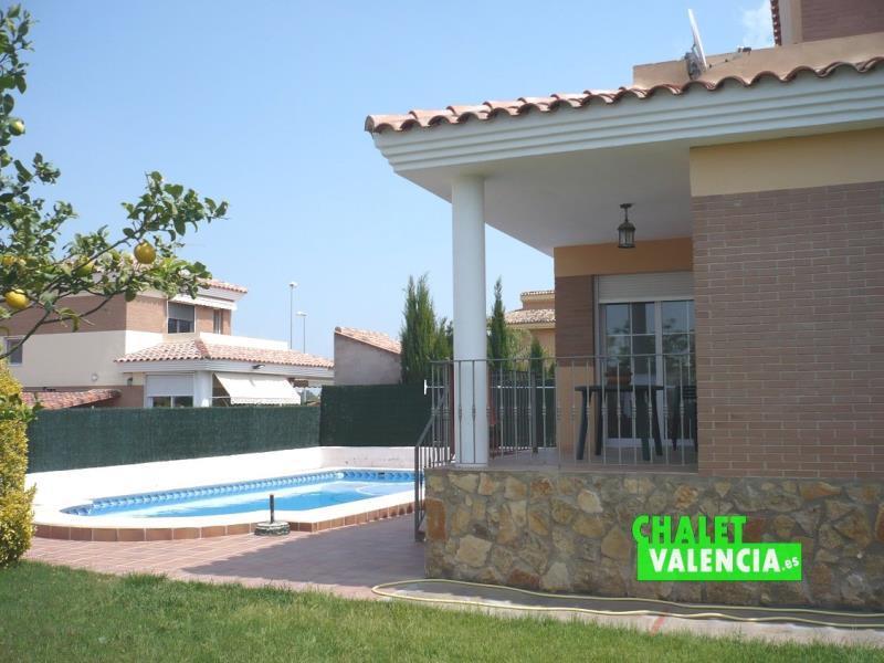 Chalet con piscina urbanización Gallipont