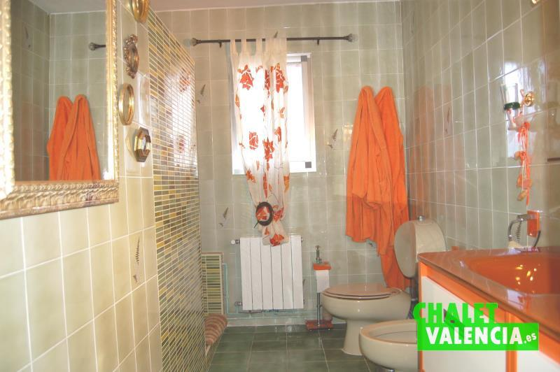 Baño con ducha chalet El Paraíso La ELiana