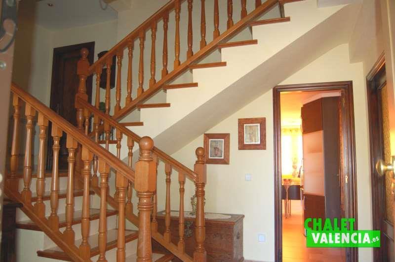 Hall chalet independiente zona La Eliana Valencia
