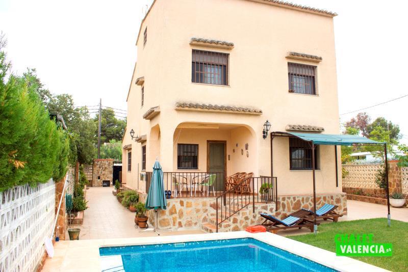 Chalet con piscina en Montesol La Eliana