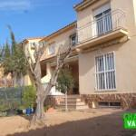 Opportunity corner detached house in camp del turia