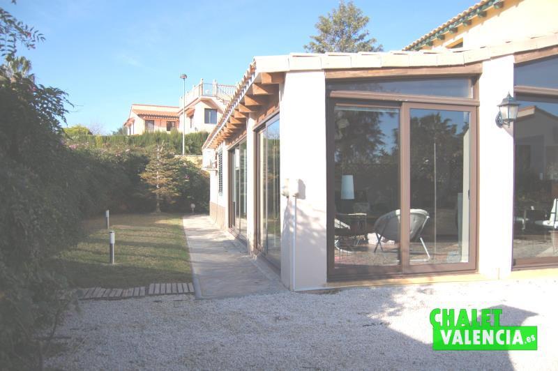 Zona sur terraza cubierta Masía Traver Valencia