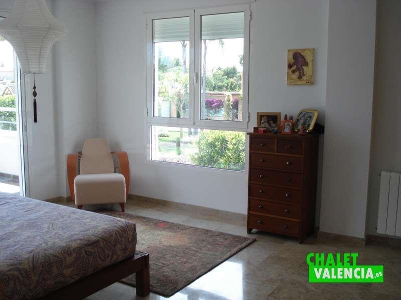 Habitaciónes amplias y luminosas chalet en alquiler La Eliana