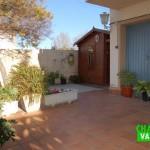 Oportunidad chalet pareado con piscina en el pueblo de La Eliana