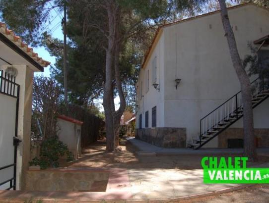 Chalet en La Eliana con 2 viviendas