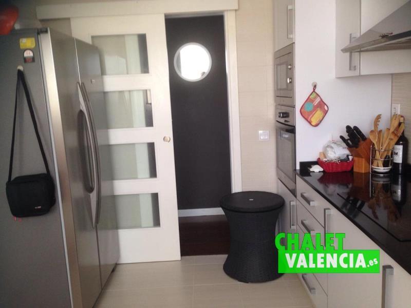 Cocina chalet pareado zona Decathlon La Eliana