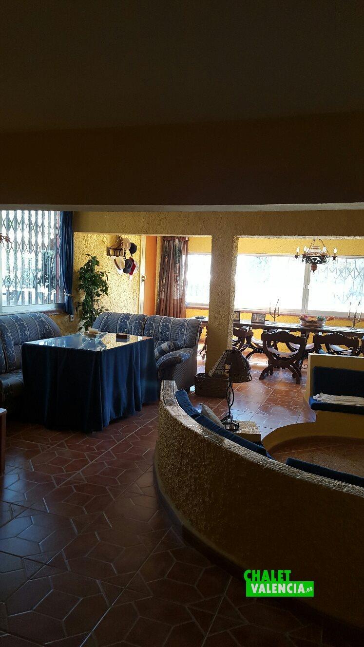 Salón comedor chalet en La Cañada en alquiler y venta