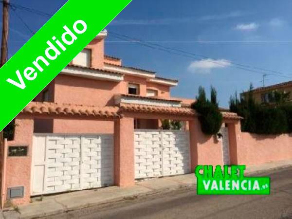 Chalet de banco vendido en Entrepinos La Eliana Valencia