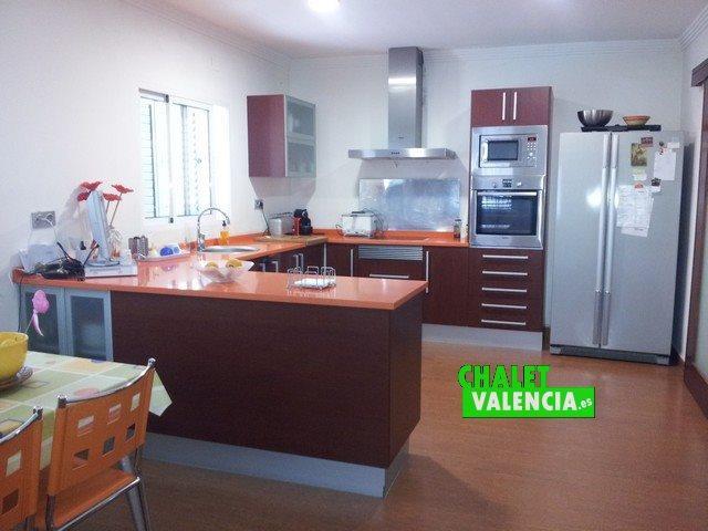 Chalet independiente urbanización Maravisa La Pobla de Vallbona