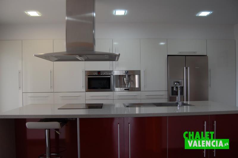 Espectacular cocina de diseño moderno en La Pobla Valencia