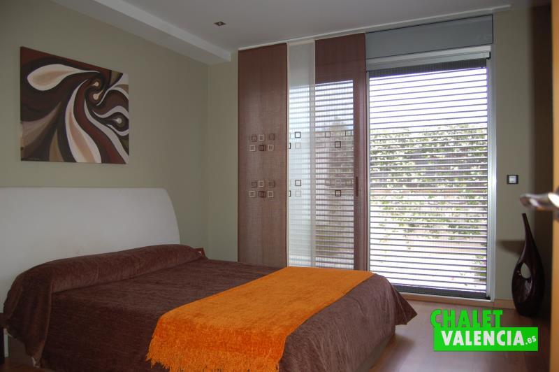 Habitación principal en planta baja chalet El Cerrao Valencia