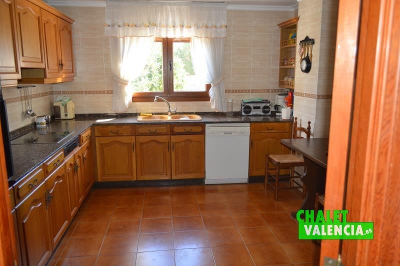 Cocina con lavadero independiente La Eliana Valencia