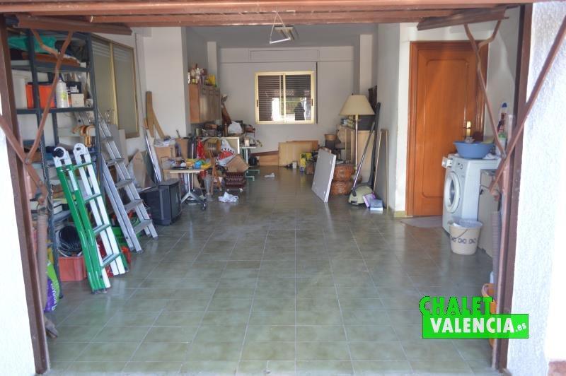 Garaje en planta baja con conexión zona cocina