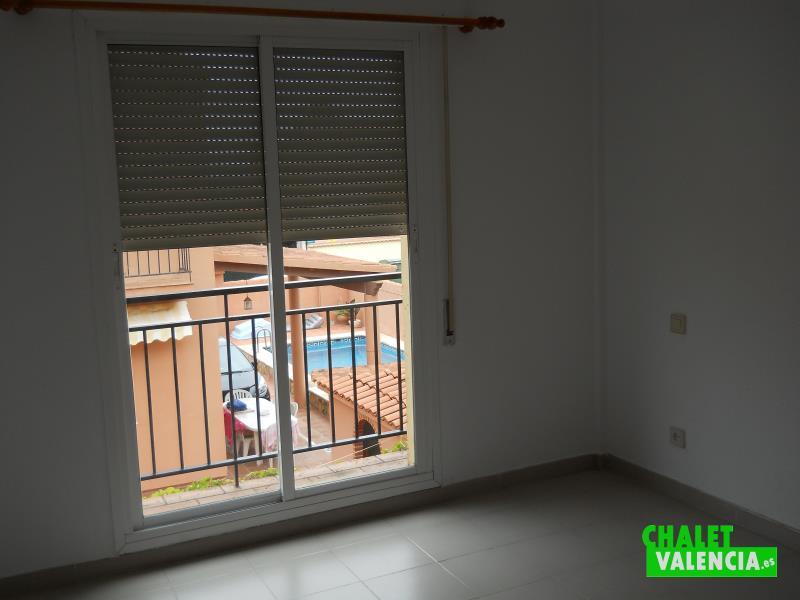 Habitación con terraza chalet Valencia