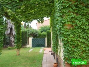 Chalet pareado urbanización Camp del Turia