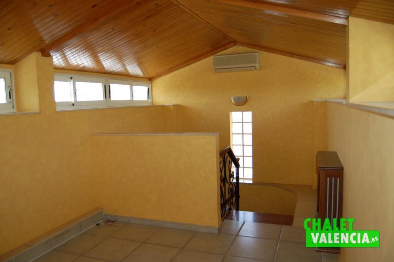 Buhardilla chalet pareado con privacidad total en Montealcedo
