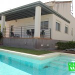 Villa with modern design in L'Eliana area
