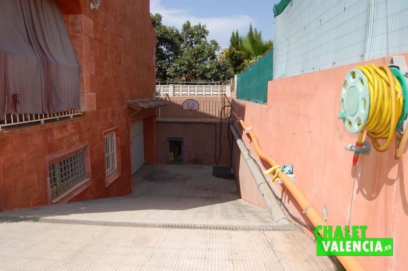 Rampa de garaje chalet La Cañada Valencia