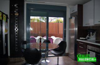G6335-cocina-terraza-1-chalet-lujo-valencia