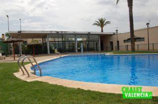 G6335-piscina-comunitaria-chalet-lujo-valencia