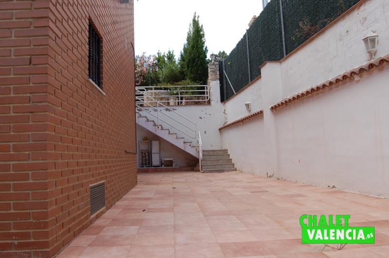 Interior Oeste parcela gran superficie chalet Valencia