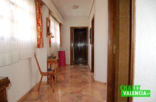 G6553-pasillo-habitaciones-2-chalet-Valencia