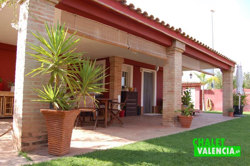 Terraza principal chalet independiente Maravisa Valencia