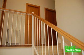 escaleras-chalet-montecolorado-valencia
