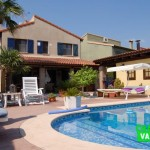 Charming villa with private pool in Masia de Traver