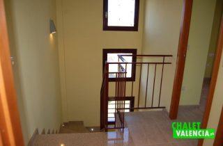 G6730-escaleras-els-pous-ribarroja-chalet-Valencia
