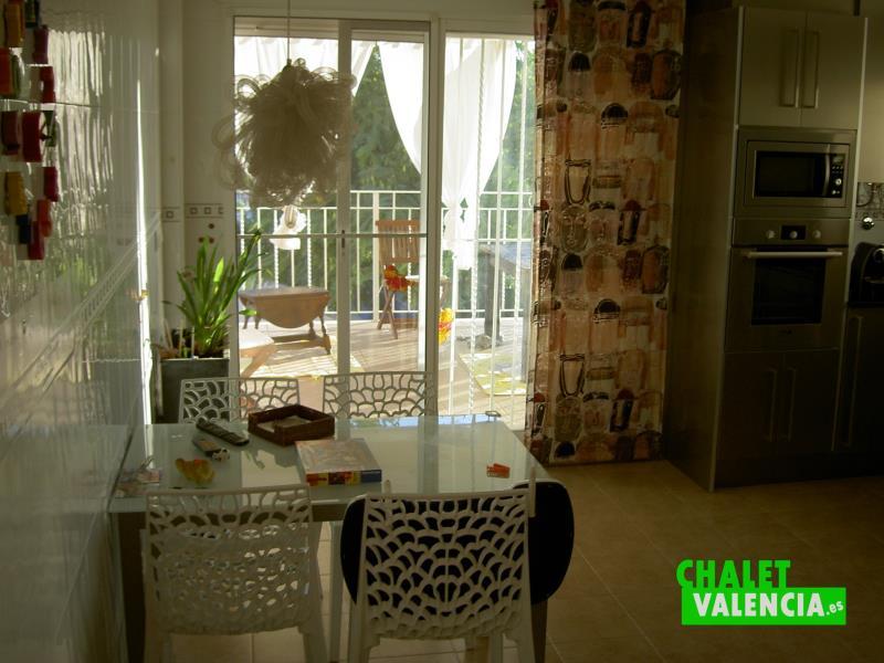 cocina-1-penyes-maravisa-chalet-valencia