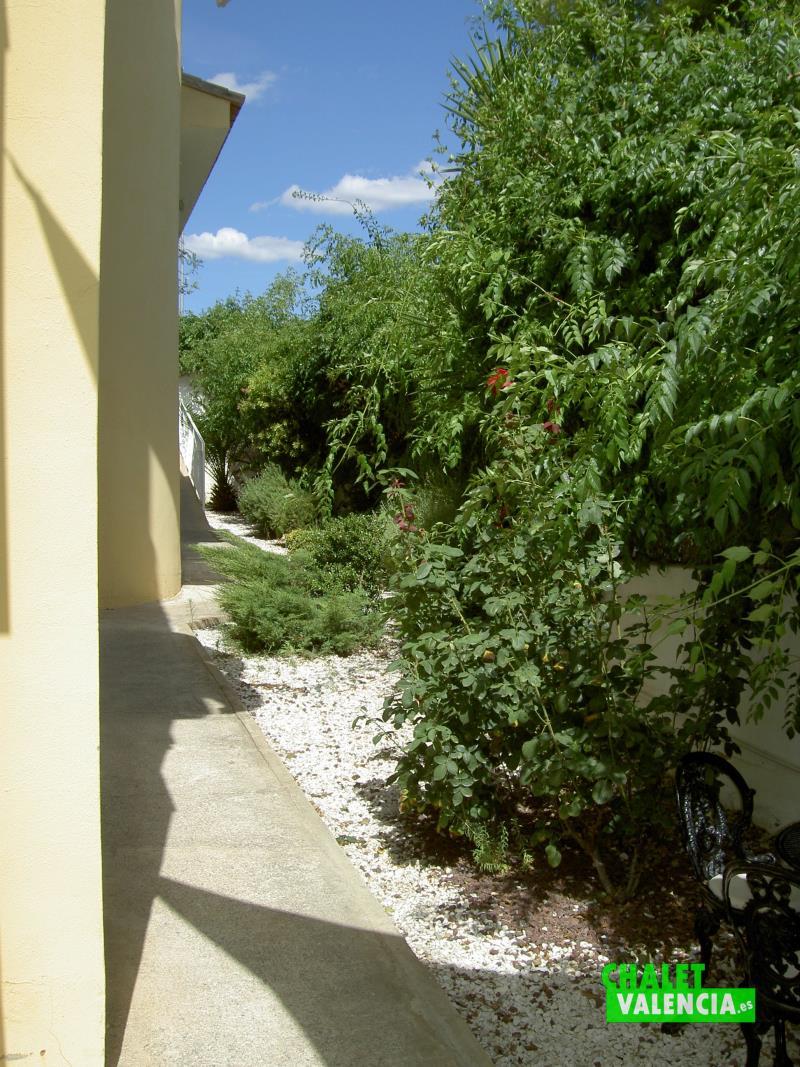 latera-jardin-penyes-maravisa-chalet-valencia