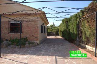 entrada-2-entrepinos-chalet-valencia
