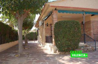 entrada-5-entrepinos-chalet-valencia
